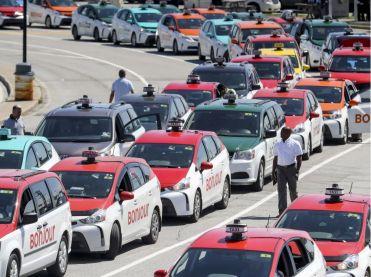 Таксисти Канади протестують проти UBER