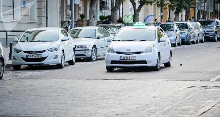 Тбилисские таксисты получат одноразовую помощь от мэрии города