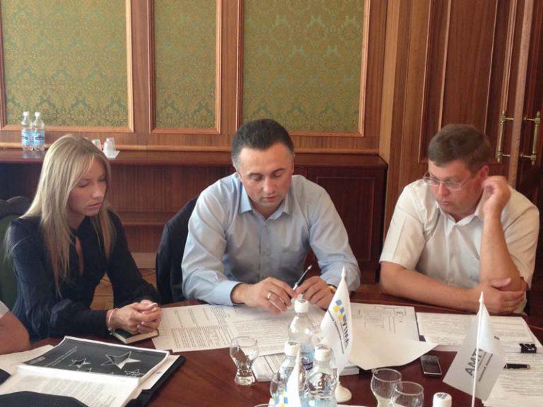 ВОО «Украинская таксомоторная ассоциация» призывает представителей таксомоторной отрасли к сотрудничеству и обращается с предложением присоединиться к реформированию отраслевого законодательства
