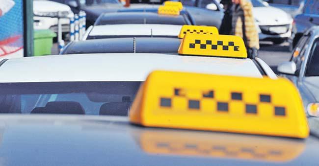 Кияни втомилися від нахабних таксистів і поставили Кличку жорсткий ультиматум — «Заборонити!»