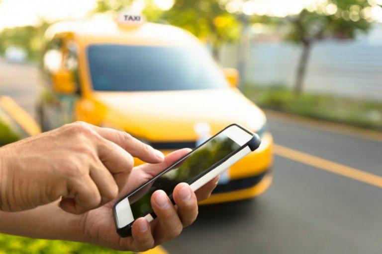 Шоферы в законе: как вывести рынок такси из тени