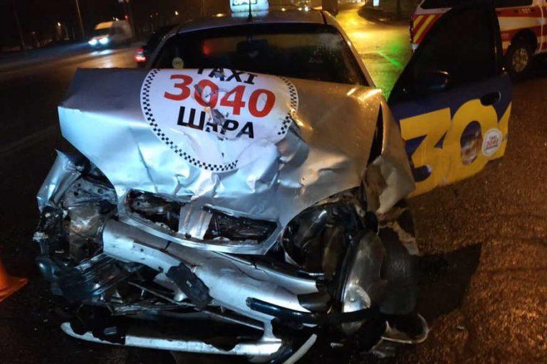 Смертельное дтп с ВАЗ и автомобиль службы такси «30-40″Lanos.