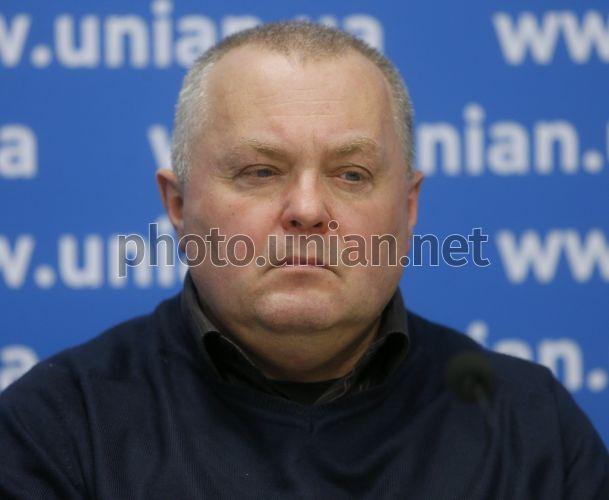 Василий Попик уверен, что причин для поднятия цены на услуги такси нет