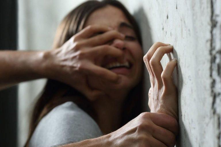 Девушке грозило изнасилование, но вмешался простой таксист