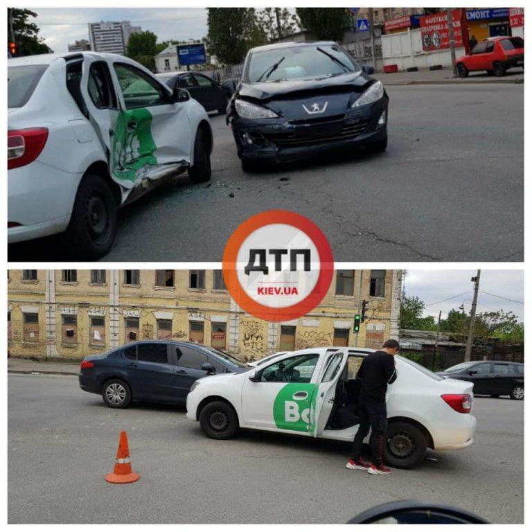 В Киеве ДТП с Bolt, Renault и  Peugeot