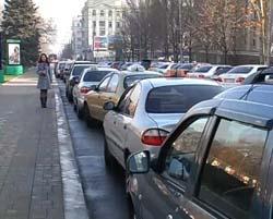 Таксисты всей Украины протестуют против Налогового кодекса