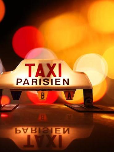 В Париже второй день продолжается забастовка таксистов
