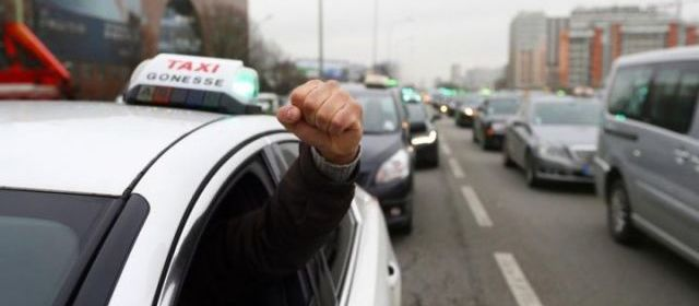В Париже, Лондоне и некоторых других городах Европы сегодня проходит забастовка водителей такси.