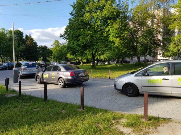 Біля лікарень Львова відбулась акція «Дякуємо лікарям»
