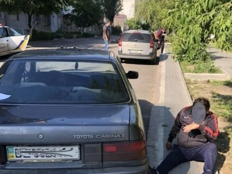 Пьяный таксист в Николаеве совершил ДТП