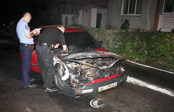 В Ивано-Франковске поджигают автомобили такси