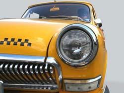 Двойной тариф: чем закончится попытка чиновников выторговать скидки у таксистов