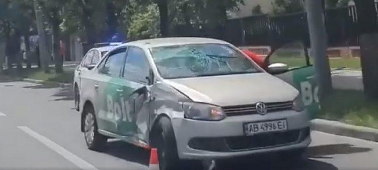 В Киеве Bolt и Скорая не разминулись.(Видео)