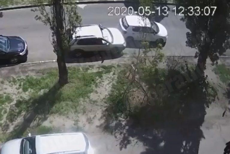 Киев, Uber решил cдать назад и врезался (Видео)