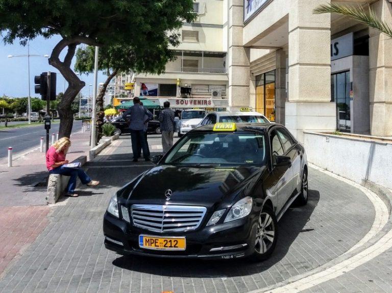 В Лимассоле таксисты объявили забастовку