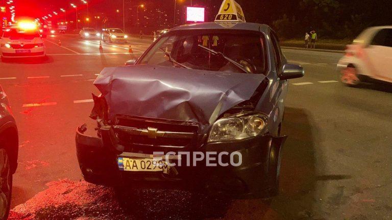 B Дарницькому районі сталася ДТП за участі таксі