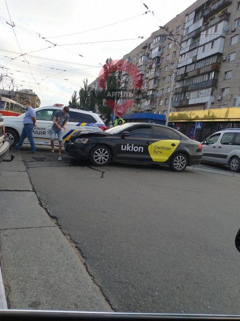 Uklon попал в ДТП в Киеве