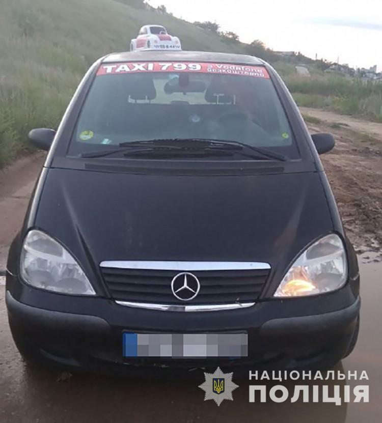 На Запоріжжі у таксиста вкрали авто