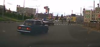 В Харькове таксист потерял сознание за рулем (Видео)