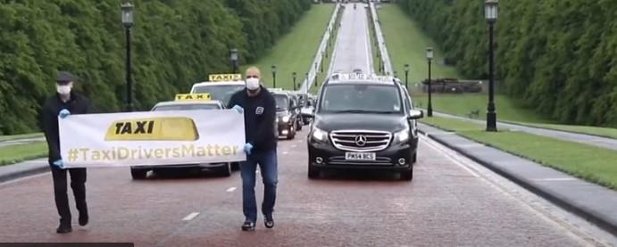 В Белфасте протестующие водители такси озвучили министру серьёзные проблемы отрасли