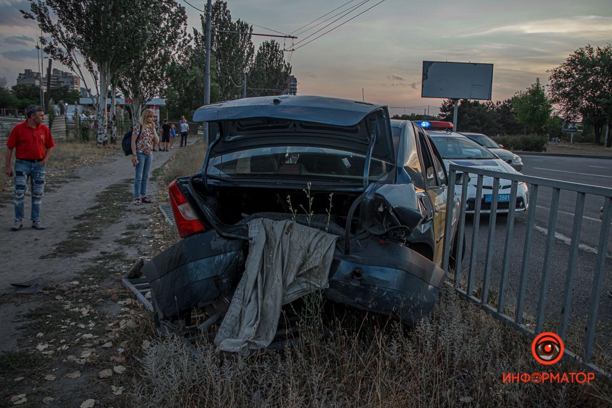 Водителя забрали в 16-ую больницу