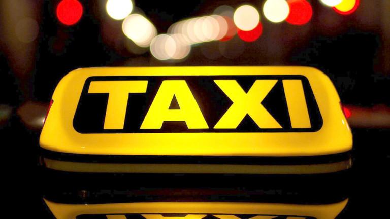 Таксисти зберігають телефони та адреси пасажирів: чому це небезпечно
