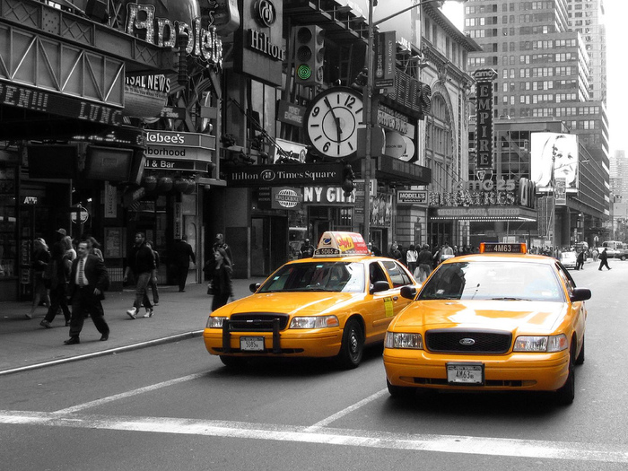 Понад 100 років тому в Нью-Йорку з'явились перші таксі