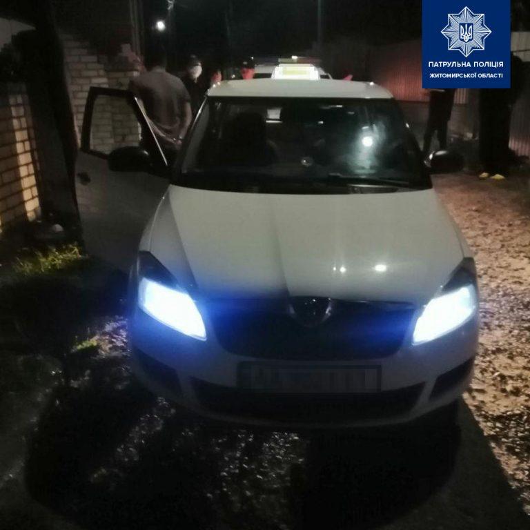 Поліція затримала таксиста, 2.13 проміле і спроба дати хабара
