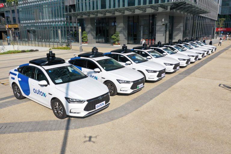 Китайский стартап AutoX запустил коммерческий сервис автономных такси RoboTaxi в Шанхае и запланировал выход на рынок Европы