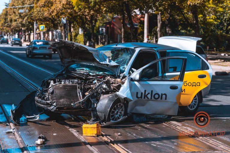 ДТП с Uklon, водитель в больнице (Видео)