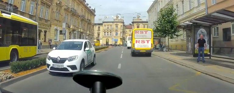 Неадекватний водій Bolt у Львові.