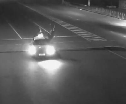 Житомир, автомобіль таксі збив пішохода (Відео)