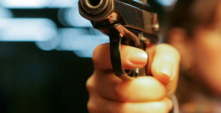 Ночью в центре Харькова клиент стрелял в салоне такси