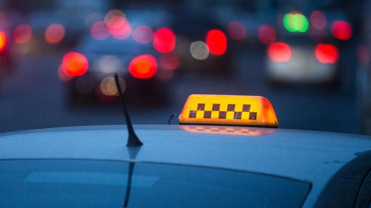 Апеляційний суд став на сторону хмельницького таксиста
