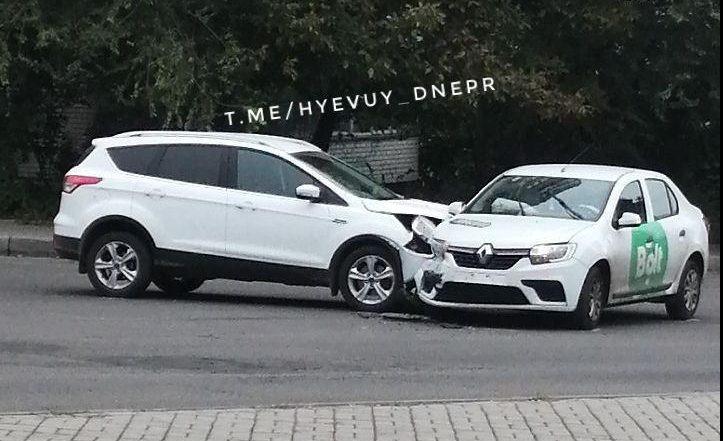 В Днепре Bolt попал в аварию