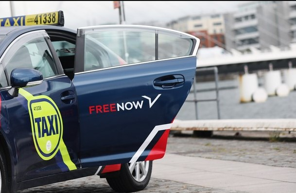 Uber присматривается к покупке сервиса такси, который является совместным предприятием Daimler и BMW.