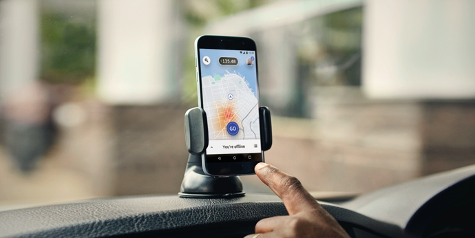 Водители судятся с Uber за «увольнение алгоритмом»