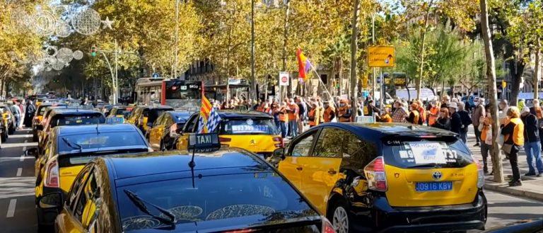 1000 таксомоторов вышли на акцию протеста в Испании