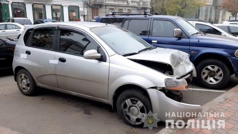 В Одессе женщина угнала такси и устроила ДТП