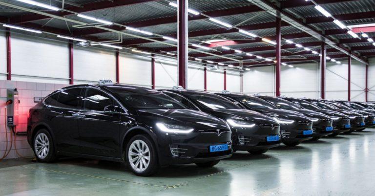 Мытарства парка такси Tesla в аэропорту Амстердама заканчиваются судебным иском против производителя из-за бесконечных дефектов