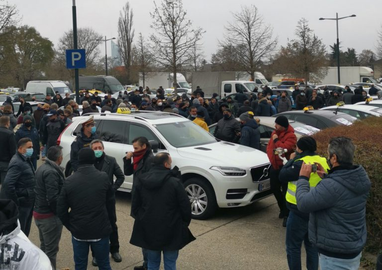Демонстрация таксистов в Вене против узаконенного демпинга