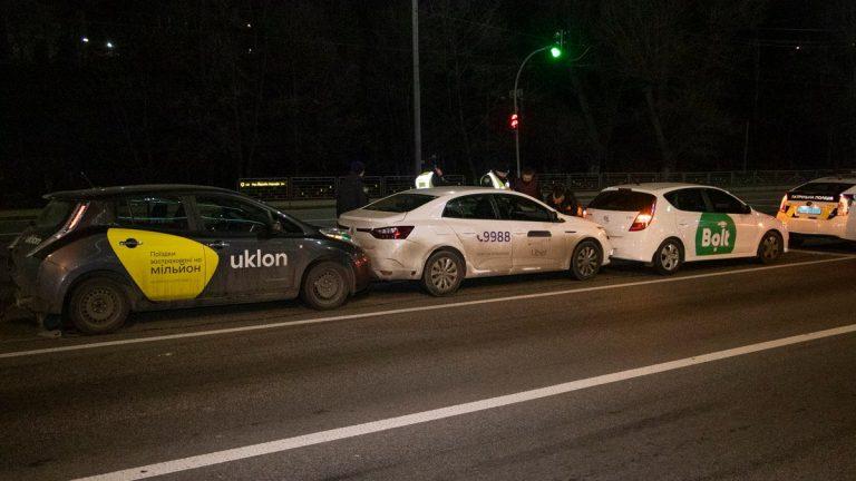 Поїздки з присмаком небезпеки: як служби таксі перевіряють водіїв
