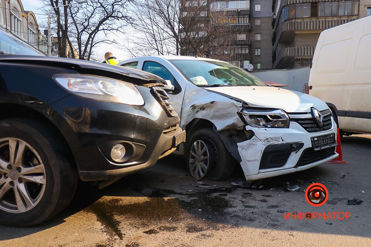 Hyundai двигался по Троицкой от Воскресенской