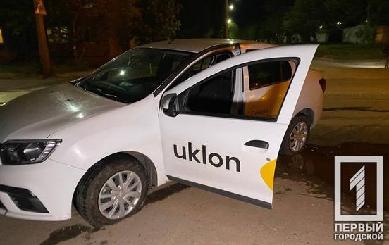 В Кривом Роге: ночью водитель стрелял по машине конкурентов, позже неизвестные пробили колёса его коллегам
