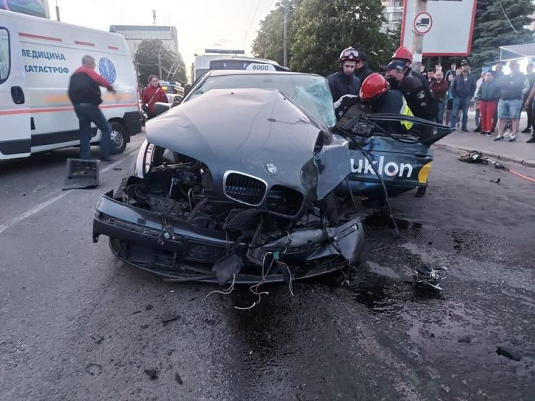 У Рівному ДТП з Uklon: багато постраждалих (Відео)