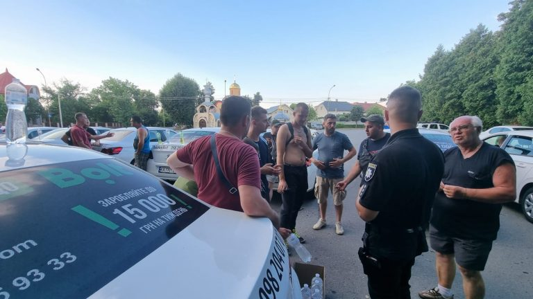 Конфлікт з водіями Bolt в Ужгороді, компанія перегляне умови роботи