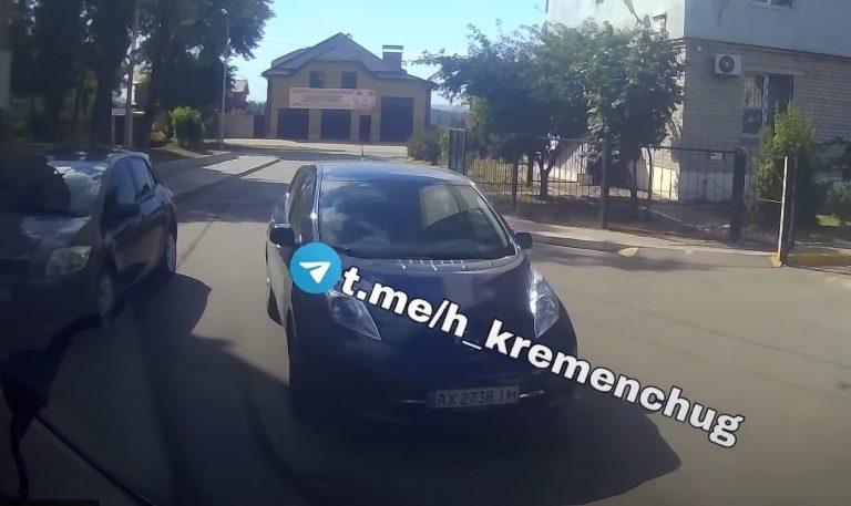 """В Кременчуге Водитель Ontaxi заблокировал """"скорую"""", а потом поехал за ней в больницу, чтобы напасть на водителя"""