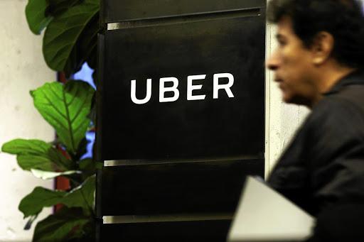 Суд в Нидерландах признал таксистов Uber наемными работниками